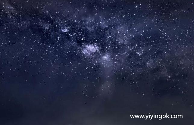 夜空中的银河