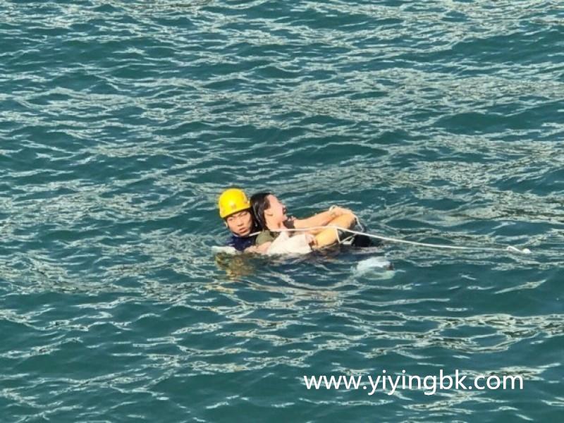 三星手机S8立大功:在菲律宾救下一艘船的20位落水乘客
